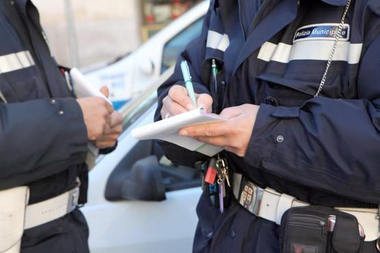 """POLIZIA MUNICIPALE, una """"strage"""" di patenti ritirate"""