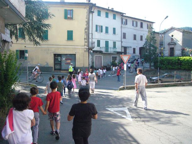 SCUOLE CASTELNOVESI: DAL 15 AL 27 MAGGIO TORNA IL PEDIBUS