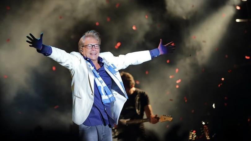 """Nino D'Angelo, il 6 ottobre uno """"scugnizzo"""" sul palco del Palasport"""